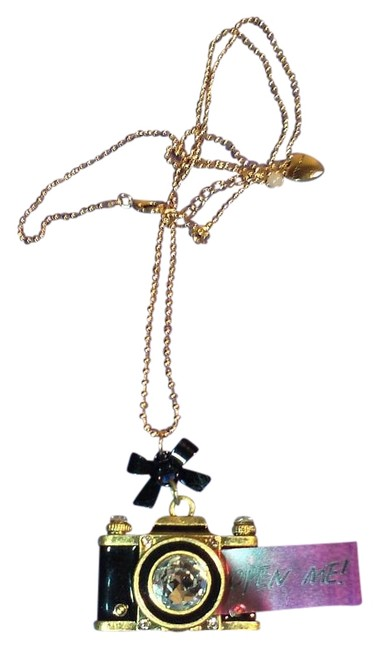 Betsey Johnson Black and Gold Old Fashioned Camera Pendant Necklace Betsey Johnson Black and Gold Old Fashioned Camera Pendant Necklace Image 1