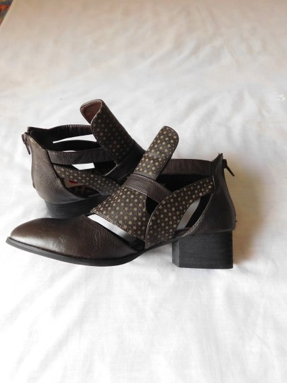 Two Lips Zag Comfortable Leather Cut-out Brown Boots Image 3
