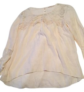 Rebellion Top Beige lace