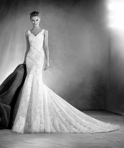 Pronovias Elaia Wedding Dress