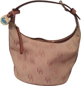 Dooney & Bourke Tote in Sand