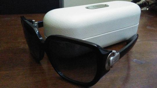 Chloé Chloe sunglasses with case Image 1