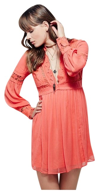 Preload https://img-static.tradesy.com/item/19848812/free-people-coral-dreamland-above-knee-short-casual-dress-size-2-xs-0-1-650-650.jpg
