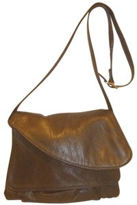 Overland Refurbished Leather Cross Body Bag