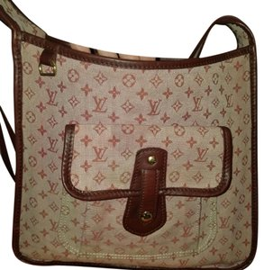 Louis Vuitton Besace Mary Kate Cross Body Bag