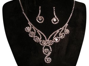 Silver Tone Necklace and Earring Set