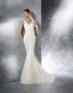 Pronovias Jasy Wedding Dress