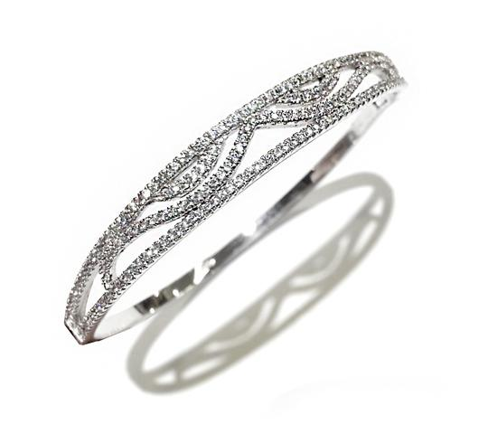Preload https://img-static.tradesy.com/item/19850708/sterling-silver-bangle-with-crystals-size7-bracelet-0-0-540-540.jpg