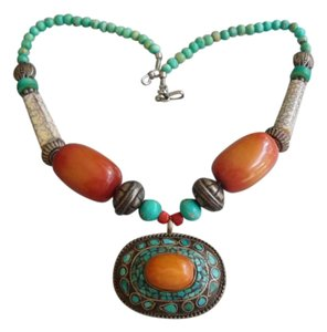 VINTAGE LARGE CHUNKY FAUX AMBER, TURQUOISE STATEMENT NECKLACE PENDANT