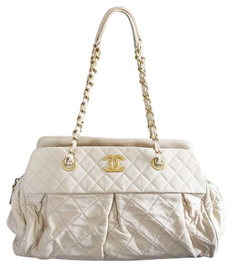 Preload https://img-static.tradesy.com/item/19850994/chanel-soft-shoulder-with-pleats-no-15-in-box-beige-lambskin-leather-tote-0-1-540-540.jpg
