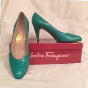 Salvatore Ferragamo Leather Made In Italy Green Pumps