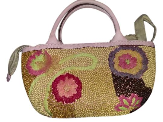 Preload https://img-static.tradesy.com/item/19851850/sigrid-olsen-spring-bouquet-pink-and-various-floral-colors-leather-cottin-beads-straw-clutch-0-1-540-540.jpg