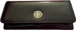 Tory Burch Robinson Continental Envelope