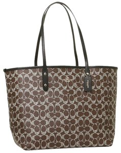 Coach Tote in Brown/Vermillion