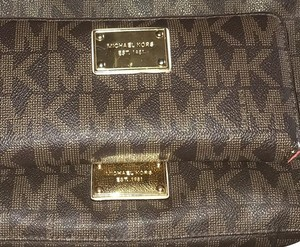 Michael Kors Mk Wallet Brown Clutch
