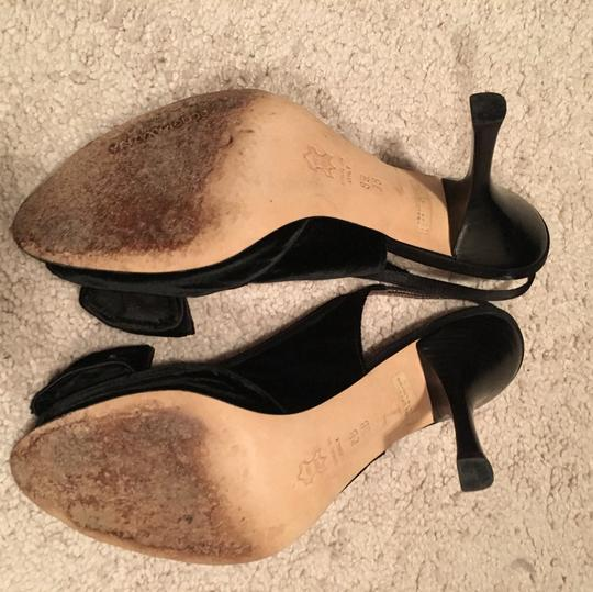 BCBGMAXAZRIA Black Pumps Image 4