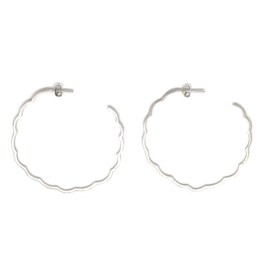 Preload https://img-static.tradesy.com/item/19852966/gorjana-silver-flora-earrings-0-2-540-540.jpg