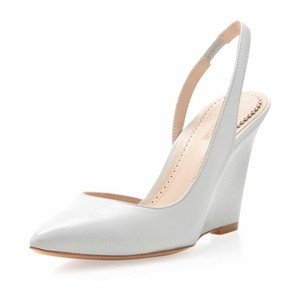 Pour La Victoire Light Grey Wedges