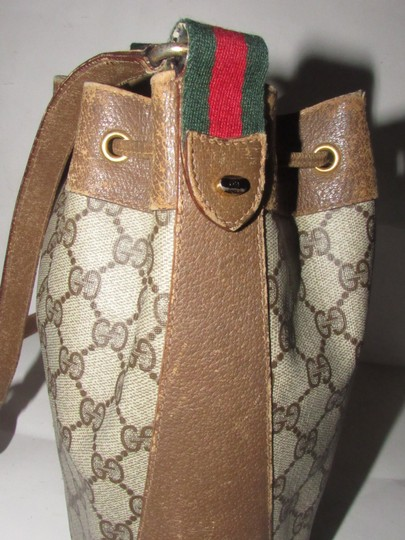 Gucci Drawstring Red/Green Excellent Vintage Bucket Satchel in brown in large G logo print coated canvas and brown leather with red and green accents Image 10