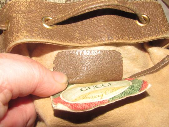 Gucci Drawstring Red/Green Excellent Vintage Bucket Satchel in brown in large G logo print coated canvas and brown leather with red and green accents Image 11