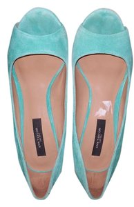 Ann Taylor Pretty green Sandals