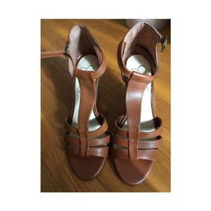 Jessica Simpson Cognac Wedges