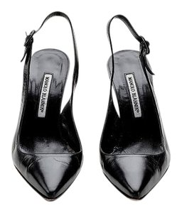 Manolo Blahnik Leather Pointed Toe Slingback Classic Italian Black Pumps