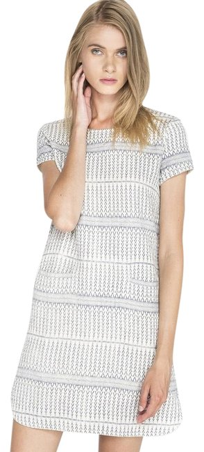 Preload https://img-static.tradesy.com/item/19855547/dra-blue-and-white-mini-short-casual-dress-size-6-s-0-1-650-650.jpg