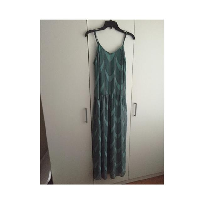 Preload https://img-static.tradesy.com/item/19855626/forever-21-green-long-casual-maxi-dress-size-0-xs-0-0-650-650.jpg