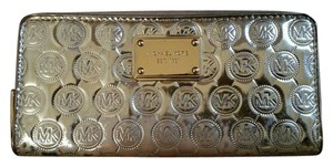 Michael Kors Jet Set Mirrored Gold Leather Continental Clutch