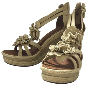 Nine West Oatmeal linen Wedges