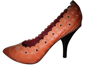 Naughty Monkey Leather Perforated pumpkin Pumps
