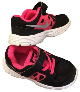 Nike Black/Hot Pink Athletic
