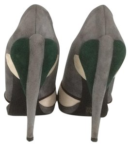 Miu Miu gray, green, white Pumps