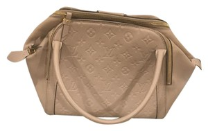 Louis Vuitton Tote in Galet (Taupe)