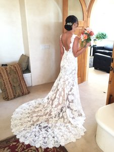 Essense of Australia Ivory/Harvest Lace D1639 Formal Wedding Dress Size 4 (S)