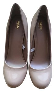 Mossimo Supply Co. Round Toe Faux Patent Nude Pumps
