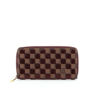 Louis Vuitton Wallet Damier Wristlet in Maroon