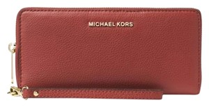 Michael Kors Michael Kors Bedford Travel Large Continental Wristlet Leather wallet