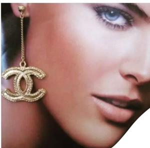Chanel NEW IN BOX CHANEL GOLD CC LOGO DANGLE EARRINGS CLASSIC