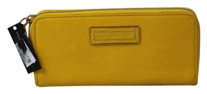 Marc Jacobs Yellow Jacket Wallet M247-39 B18