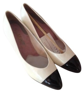 Easy Spirit Rare Vintage Leather Black and white Pumps