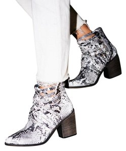 Free People Sz 38 Black/white Snake Caged Boots