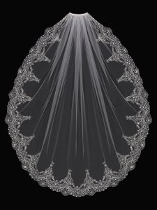 EnVogue Bridal Exquisite Gold Beaded Embroidery Bridal Veil In Ivory