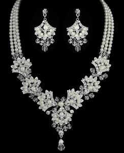 Vintage Look Fan Design Pearl And Crystal Bridal Jewelry Set