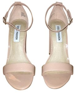 Steve Madden Blush Pumps