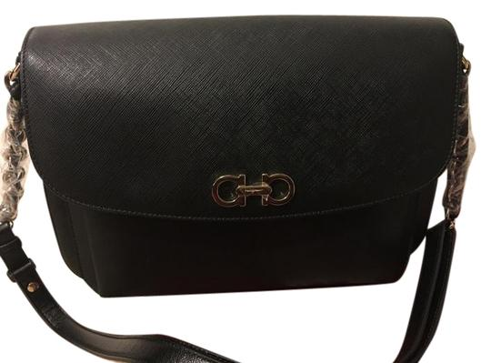 Preload https://img-static.tradesy.com/item/19863799/salvatore-ferragamo-shoulder-bag-black-19863799-0-2-540-540.jpg