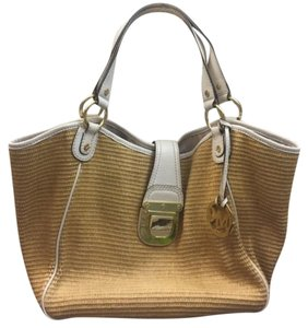 Michael Kors Tote in Tan And White