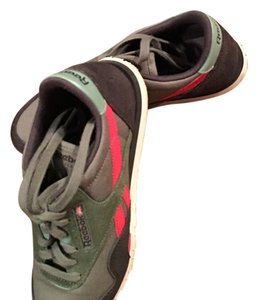 Reebok Army green & red Athletic