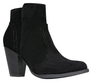 Breckelle's Faux Suede Black Boots